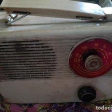 Radios de válvulas: ANTIGUA RADIO DE VALVULAS FABRICADA EN ESPAÑA AÑOS 50 ( 1950 ). Lote 262020395