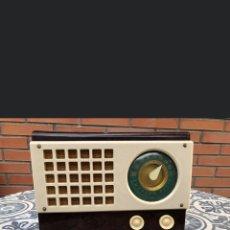 Radios de válvulas: RADIO ANTIGUA EMERSON 520 CATALIN. MÁS PONIENDO USMO. Lote 262153805
