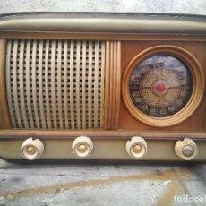 Radio a valvole: ANTIGUA RADIO DE VALVULAS FUNCIONANDO. Lote 262283625