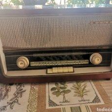 Radios de válvulas: ANTIGUO APARATO DE RADIO MARCA SANZ. Lote 262774795