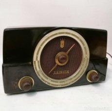 Radios de válvulas: RADIO ZENITH. BAQUELITA MARRÓN. 1953. FUNCIONANDO.. Lote 262910470