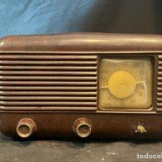 Radio a valvole: ANTIGUA RADIO DE VÁLVULAS DE BAQUELITA 31X20. Lote 263666680