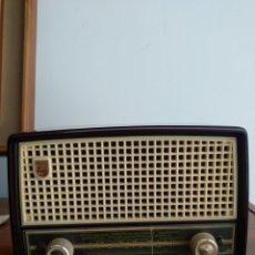 Radio a valvole: RADIO ANTIGUA PHILIPS. Lote 263954045