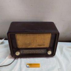 Radio a valvole: ANTIGUA MINI RADIO DE VÁLVULAS TELEFUNKEN. Lote 264274052