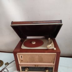 Radio a valvole: ANTIGUA RADIO TOCADISCOS DE VÁLVULAS PHILIPS. Lote 264274520