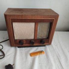 Radio a valvole: ANTIGUA RADIO MINIATURA DE VÁLVULAS. Lote 264729284