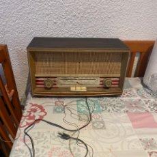 Rádios de válvulas: RADIO DE MADERA VIRER MODELO SR-2200, COMPLETO , SIN COMPROBAR. Lote 264811504