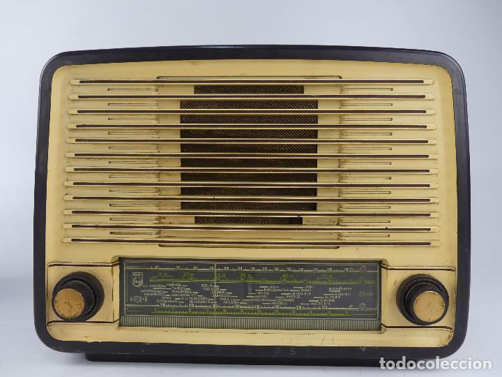 ANTIGUA RADIO DE VALVULAS PHILIPS BE 452 A BAQUELITA. (Radios, Gramófonos, Grabadoras y Otros - Radios de Válvulas)