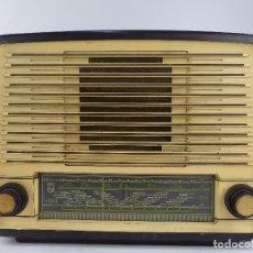 Radio a valvole: ANTIGUA RADIO DE VALVULAS PHILIPS BE 452 A BAQUELITA.. Lote 265118074