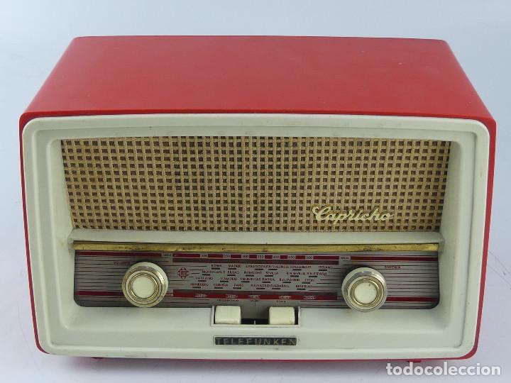 ANTIGUA RADIO DE VÁLVULAS TELEFUNKEN. MODELO CAPRICHO U-2225. COLOR ROJO (Radios, Gramófonos, Grabadoras y Otros - Radios de Válvulas)