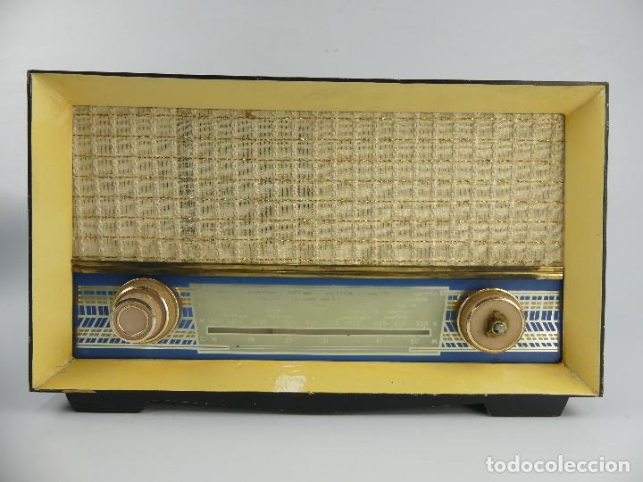 ANTIGUA RADIO DE VALVULAS MODELO-P-65 PROBABLEMENTE RADIO MELODIAL (Radios, Gramófonos, Grabadoras y Otros - Radios de Válvulas)