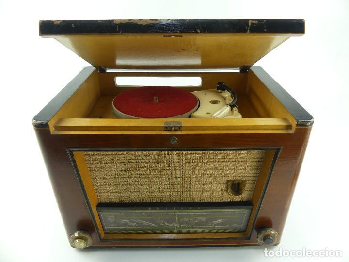 ANTIGUO RADIO-TOCADISCOS DE VÁLVULAS PHILIPS MOD. HE 554 A (Radios, Gramófonos, Grabadoras y Otros - Radios de Válvulas)