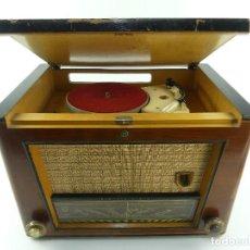 Radio a valvole: ANTIGUO RADIO-TOCADISCOS DE VÁLVULAS PHILIPS MOD. HE 554 A. Lote 265119029