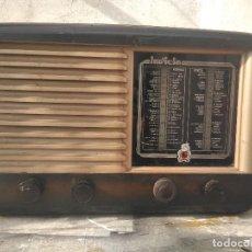 Radio a valvole: ANTIGUA RADIO DE VALVULAS FUNCIONANDO. Lote 265558699