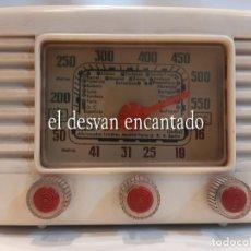 Radio a valvole: MUY BONITA RADIO DE VÁLVULAS. BAQUELITA COLOR BLANCO. PERFECTAMENTE CONSERVADA. VER FOTOS. Lote 265943608