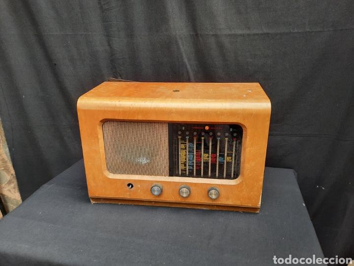 ANTIGUA RADIO DE VÁLVULAS INGLESA PYE (Radios, Gramófonos, Grabadoras y Otros - Radios de Válvulas)