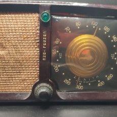 Radios de válvulas: RADIO BAQUELITA ZENITH 5D011 CONSOLTONE. AÑOS 40.. Lote 267884814