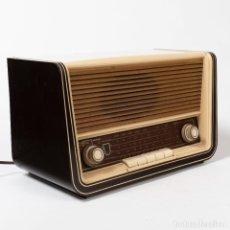 Radios de válvulas: RADIO SABA UW365, ALEMANA DE 1956 ALTURA: 26 ANCHURA: 43 FONDO: 22. Lote 270858998