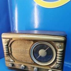 Radios de válvulas: RADIO ANTIGUA RADIO-RADIO MELODIAL-50X35X26 CM COLECCIONISMO-VINTAGE A VALVULAS. Lote 271594913