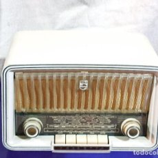 Radios à lampes: BONITA RADIO DE VALVULAS PHILIPS PHILETTA BD254U ¡¡¡FUNCIONA!!!!.. Lote 272473218