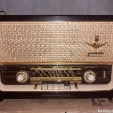 Radios de válvulas: RADIO GRUNDIG 1070, BAKELITA, FUNCIONANDO... Lote 274000548