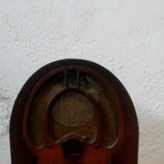 Radios de válvulas: ANTIGUA RADIO CAPILLA PHILCO. Lote 274827318