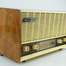 Rádios de válvulas: RADIO ANTIGUA VANGUARD MOD. L-51 AÑOS 50. Lote 275183333