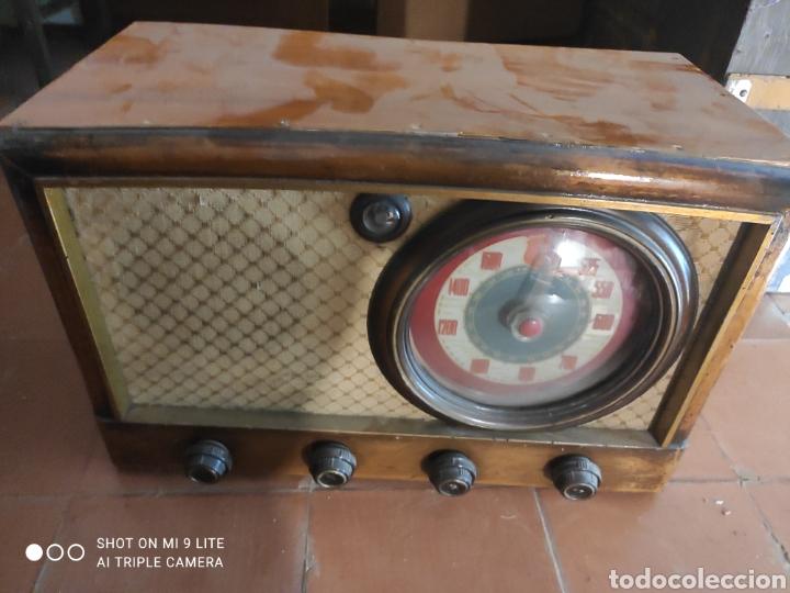 RADIO VINTAGE (Radios, Gramófonos, Grabadoras y Otros - Radios de Válvulas)