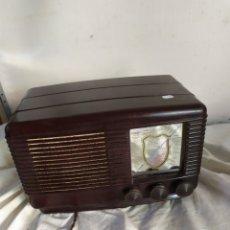 Radios de válvulas: PRECIOSA RADIO ANTIGUA DE VÁLVULAS SONORA. Lote 276151543