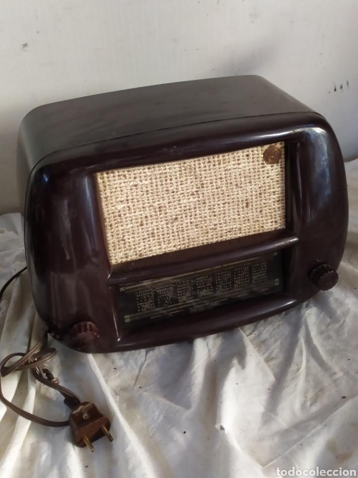 Radios de válvulas: Magnificar radio antigua de válvulas pequeña - Foto 2 - 276151803
