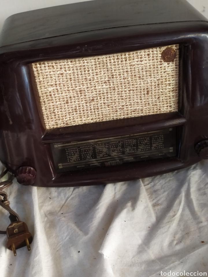 Radios de válvulas: Magnificar radio antigua de válvulas pequeña - Foto 3 - 276151803