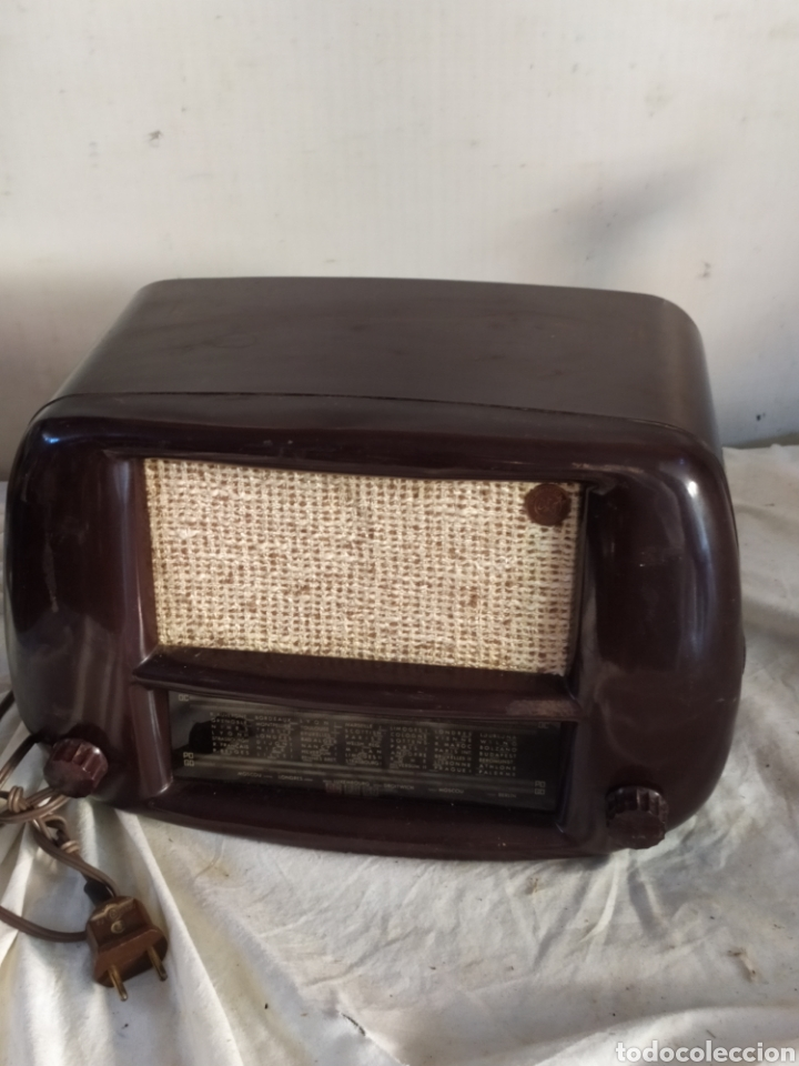 MAGNIFICAR RADIO ANTIGUA DE VÁLVULAS PEQUEÑA (Radios, Gramófonos, Grabadoras y Otros - Radios de Válvulas)