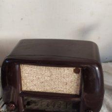 Radios de válvulas: MAGNIFICAR RADIO ANTIGUA DE VÁLVULAS PEQUEÑA. Lote 276151803