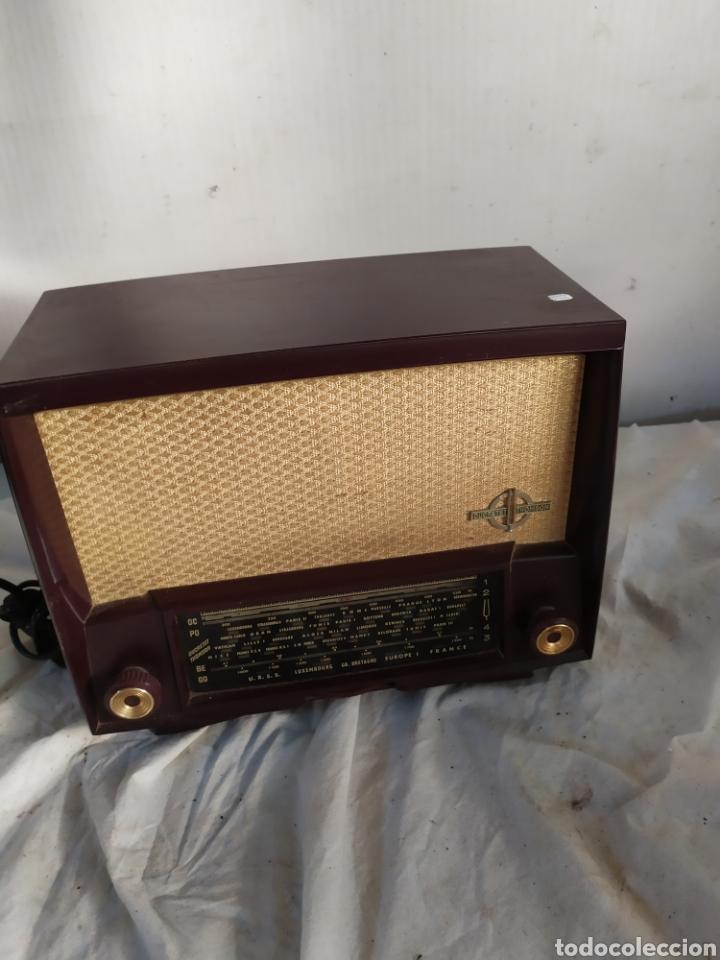 ANTIGUA RADIO DE VÁLVULAS DE BAQUELITA (Radios, Gramófonos, Grabadoras y Otros - Radios de Válvulas)
