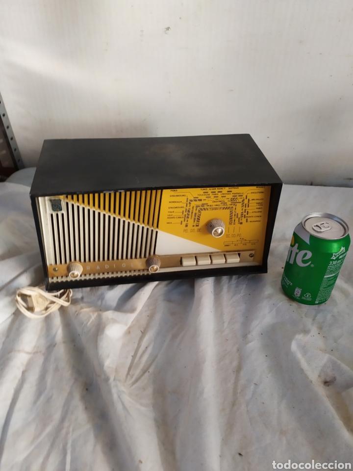 PEQUEÑA RADIO ANTIGUA DE VÁLVULAS RADIALVA (Radios, Gramófonos, Grabadoras y Otros - Radios de Válvulas)