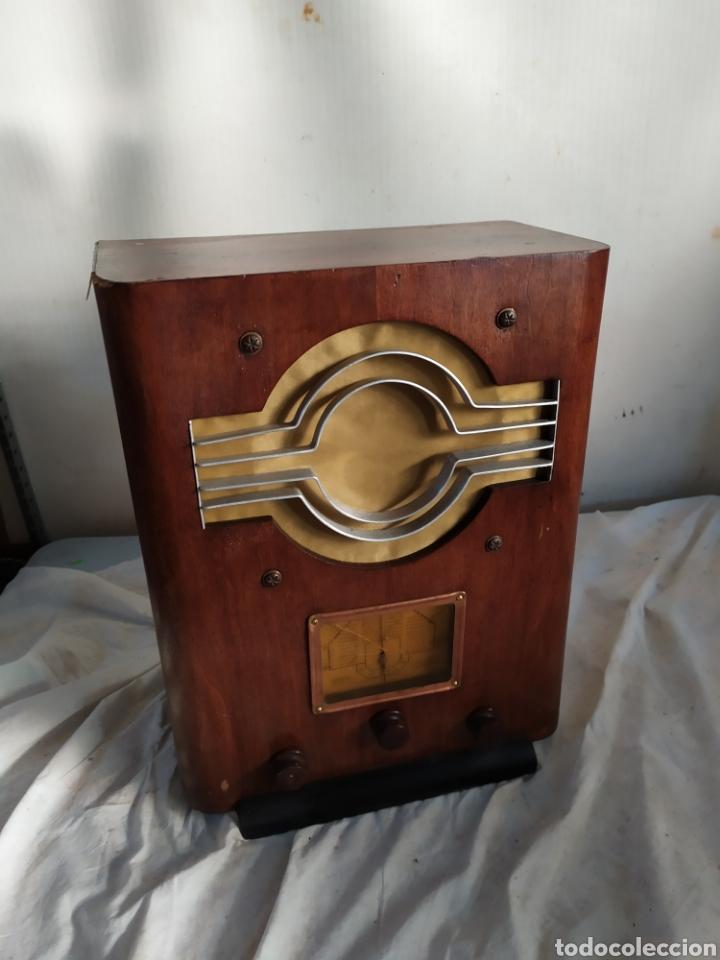 IMPRESIONANTE RADIO ANTIGUA DE VÁLVULAS (Radios, Gramófonos, Grabadoras y Otros - Radios de Válvulas)