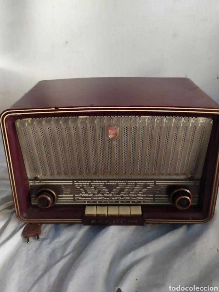 RADIO DE VÁLVULAS ANTIGUA PHILIPS (Radios, Gramófonos, Grabadoras y Otros - Radios de Válvulas)
