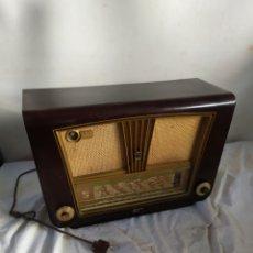 Radios de válvulas: ANTIGUA RADIO DE VÁLVULAS RADIALVA. Lote 276153858