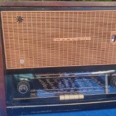 Radios de válvulas: ANTIGUA RADIO MARCONI CON TOCADISCOS. Lote 276282468