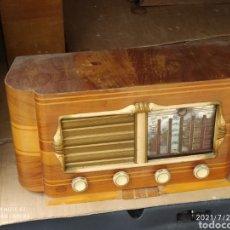 Radios de válvulas: PRECIOSA RADIO ANTIGUA. Lote 276795233