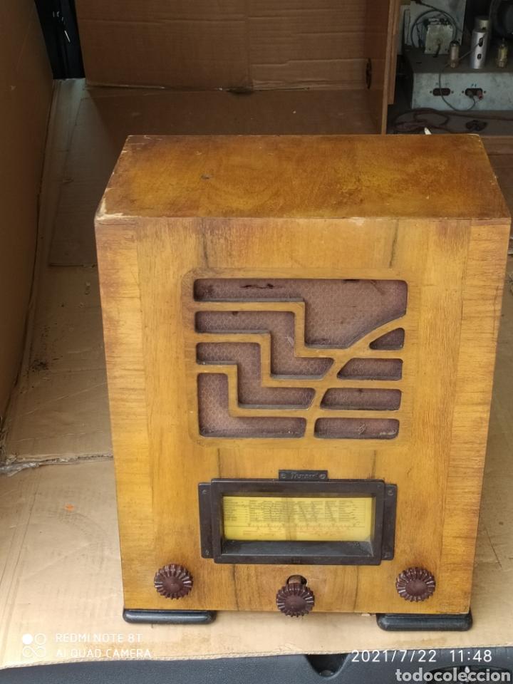ANTIGUA RADIO DE CAPILLA (Radios, Gramófonos, Grabadoras y Otros - Radios de Válvulas)