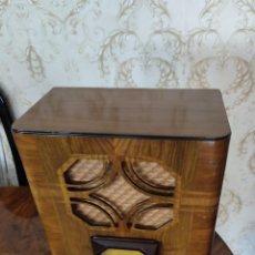 Radios de válvulas: RADIO DE MADERA PHILIPS MOD 640A AÑO 1933 CASI A ESTRENAR MODELO MUY DIFÍCIL DE CONSEGUIR MIRA!!. Lote 277046398