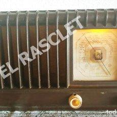 Radios de válvulas: ANTIGÜA RADIO VALVULAS PHILIPS- MODELO BE-392-A DE LOS AÑOS 50 DEL PASADO SIGLO XX A 220 V. FUNCIONA. Lote 277169648