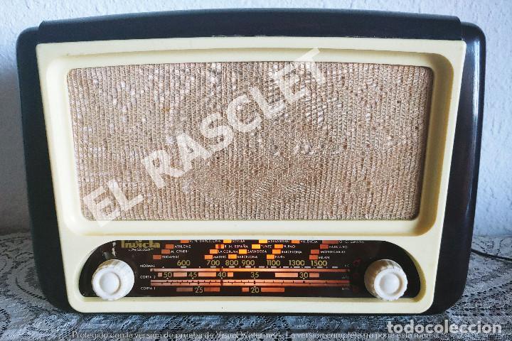 ANTIGÜA RADIO VALVULAS INVICTA MOD.5320 - AÑOS 50 SIGLO XX FUNCIONA A 220V (Radios, Gramófonos, Grabadoras y Otros - Radios de Válvulas)