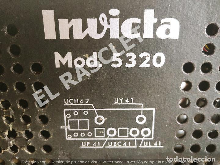 Radios de válvulas: ANTIGÜA RADIO VALVULAS INVICTA MOD.5320 - AÑOS 50 SIGLO XX FUNCIONA A 220V - Foto 11 - 277170773