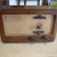 Radios de válvulas: ANTIGUA RADIO VALVULAS DE MADERA CASTILLA VER FOTOS PARA PIEZAS O RESTAURAR. Lote 277552963