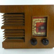 Radios à lampes: ANTIGUA RADIO DE VALVULAS DE MADERA PARA RESTAURAR. Lote 284812343