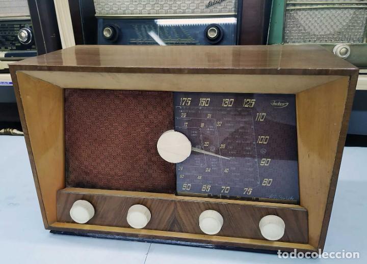 Radios de válvulas: ANTIGUA RADIO. FUNCIONANDO. 125 V. SE PUEDE RECOGER EN EL ANTIGUO MUSEO DE LA RADIO. BURGOS. - Foto 2 - 285116393