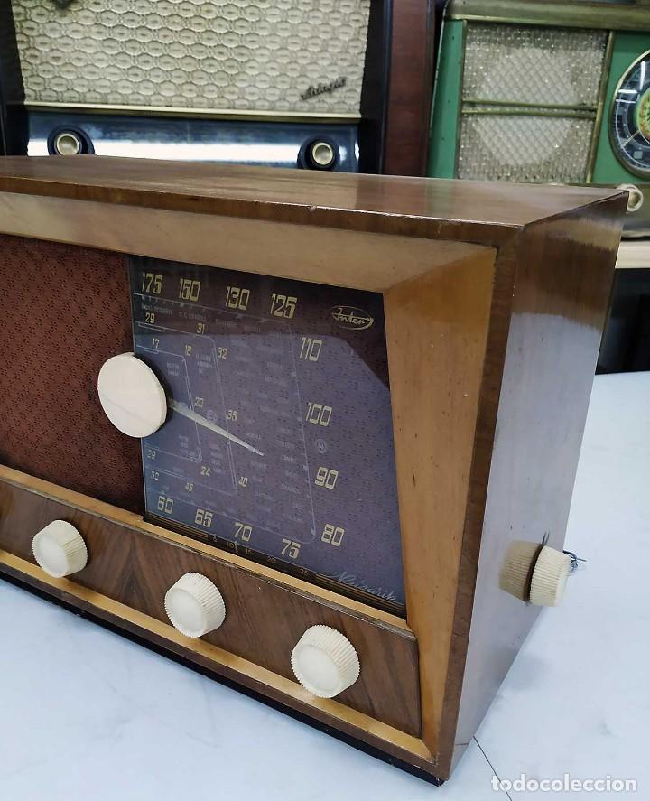 Radios de válvulas: ANTIGUA RADIO. FUNCIONANDO. 125 V. SE PUEDE RECOGER EN EL ANTIGUO MUSEO DE LA RADIO. BURGOS. - Foto 4 - 285116393