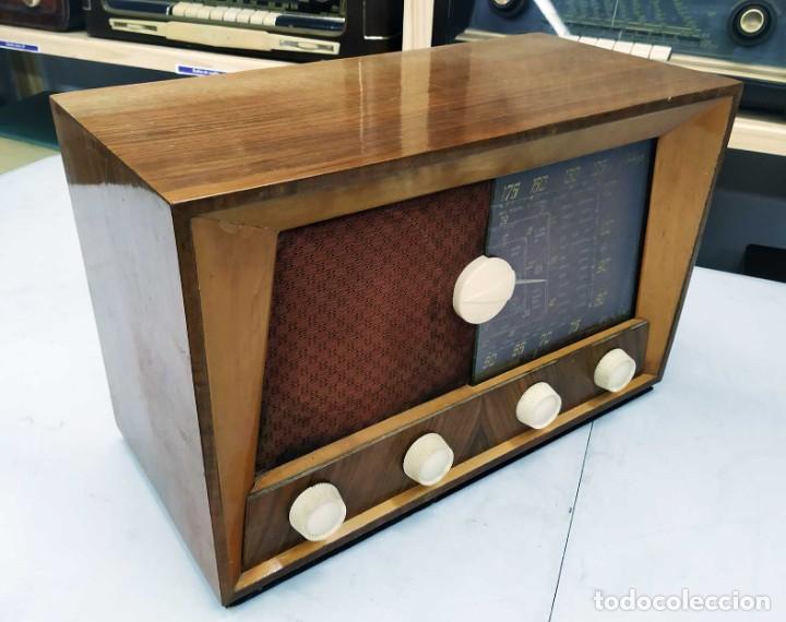 Radios de válvulas: ANTIGUA RADIO. FUNCIONANDO. 125 V. SE PUEDE RECOGER EN EL ANTIGUO MUSEO DE LA RADIO. BURGOS. - Foto 6 - 285116393